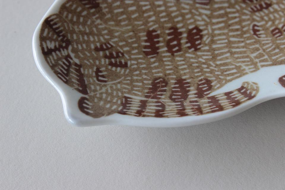 katakata 「印判手」の皿 猫