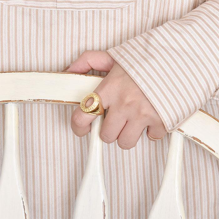 ≪chibi jewels≫ チビジュエルズ<br>オーバル 楕円形 ロゴ 刻印 カレッジ クラス リング 指輪 14金仕上げ Class Ring (Gold)
