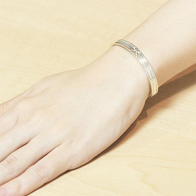 ≪chibi jewels≫ チビジュエルズ<br>太陽刻印 シルバー C型バングル Shining Sun Cuff (Silver)